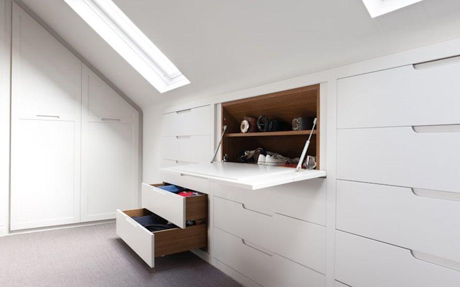 шкаф на мансарде под скосом крыши